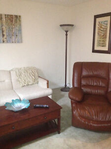 Cozy suite, quiet location across trails in Thickwood