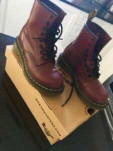 Doc Martins authentic Red