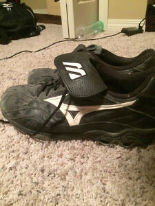 Size 13 Mizuno Metal Stud Cleats
