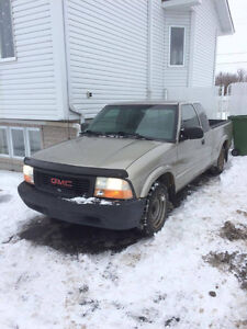 Petit Pick up 2003 GMC Sonoma Beige