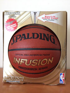 SPALDING Basketball with built-in Pump - New