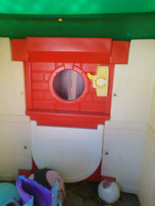 Lil Tikes play house