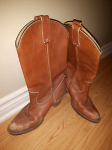 Genuine Leather 1970s Frye cowboy boots