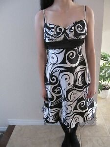 Beautiful prom dress worn a couple of times, nice silk material Kitchener / Waterloo Kitchener Area image 1