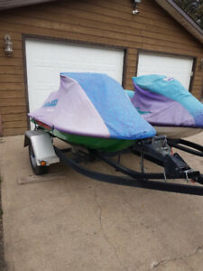 2 Seadoos 1995 SP and 1993 XP with double place trailer