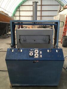 AAA Plastic Equipment Thermoforming Vacuum Former Machine