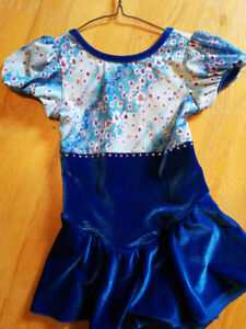 Skating dress child 6-8 with crystals