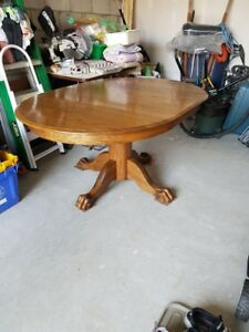 SOLD! Oak pedestal table with 4 oak chairs