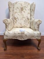 Belle Chaise/Fauteuil Vintage Wingback Antique Style Chair