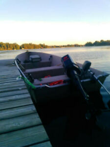 Aluminum Fishing Boat/25 Merc/Trailer
