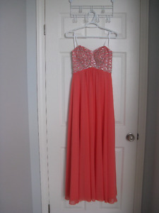 Beautiful Wedding/Prom/Graduation Dress