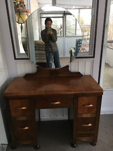 3 Piece Bedroom Suite (Vanity, Bed Frame, Dresser)