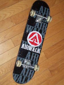 Planche a roulette skate board air walk