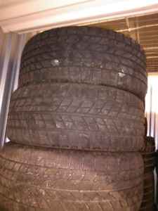 225 40 18 4 tires hiver mike 438 274 1733