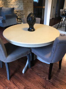 Round table and 3 chairs