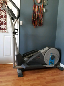 FreeSpirit Elliptical loaded with all the features