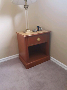 Night stand (3 available)! 40$