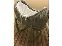 Claire de lune marshmallow design noah pod moses basket with new mattress