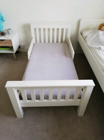 Little white company toddler bed + spring mattress
