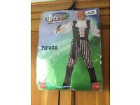 Children's pirate costume aged 9 to 12 years ( brand new )