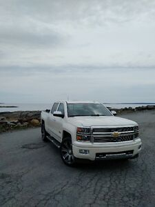 2015 Chevrolet Silverado 1500 High Country Pickup Truck
