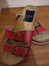 **NEW** girl's Birkenstock style sandals size 3