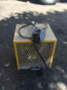 Construction  Heather 240 v, Yellow.Almost new Kitchener / Waterloo Kitchener Area image 3