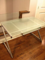 STRUCTUBE ZED 150cm glass-top desk (perfect and clean condition)