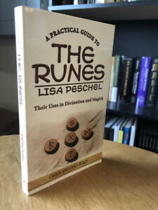 Practical Guide To  Runes in Divination and Magic-Lisa Peschel +