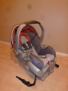 BANC AUTO/ Coquille - GRACO - Orange - 35.00$