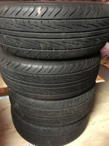 215/60R16 Uniroyal Tiger Paw AS65