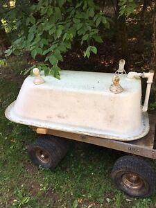 Antique Cast Iron Bathtub