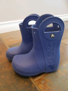 Excellent Condition Croc Gum Boots (Size 8T)