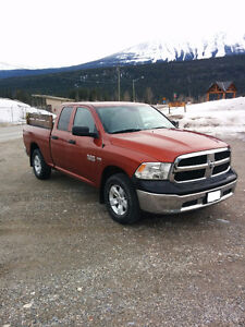 Very LOW km 2013 Ram 1500 slx truck