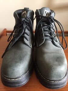 Men's Roots Tuff Boots. Size 10. Winter Boots. London Ontario image 7