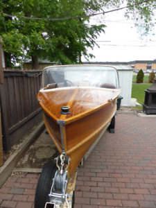 Chris-Craft French River Runabout Boat