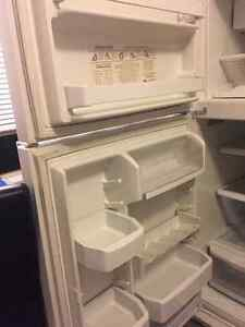 Kitchen aid Refrigerator Kitchener / Waterloo Kitchener Area image 4