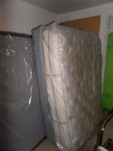 Queen matress PERFECT CONDITION