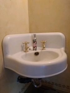 Antique sink