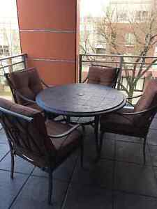 Outdoor patio furniture - table & 4 chairs