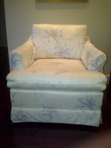 Arm Chair Upholstered, Arm protectors, rarely used, clean Kitchener / Waterloo Kitchener Area image 2