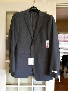 New with tags men's Calvin Klein jacket, elegant, made to last!