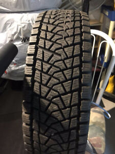 4X 235/70R16 tire for 100$