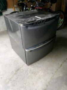Whirlpool Universal Laundry Pedestal
