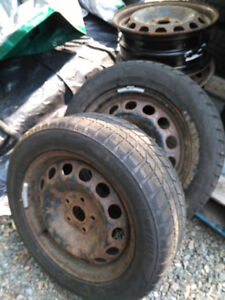 VW Passat 4 Wheels 2 Winter Tires $160