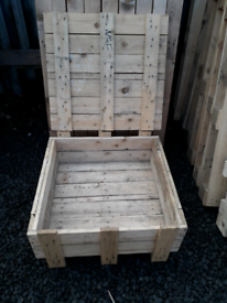 Heavy duty wooden shipping create with lid £10 free local delivery