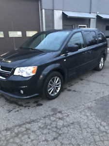 Like New Dodge Caravan Minivan, Van