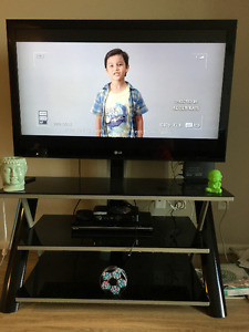 """LG LCD 47"""" Full HD 1080P TV - Stand Included"""