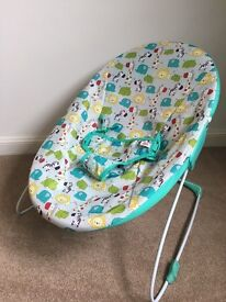 Bright Starts baby bouncer (light weight and easily portable) - excellent condition