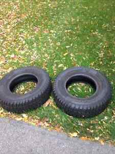 Selling 2 Snow Tires 235/75R15